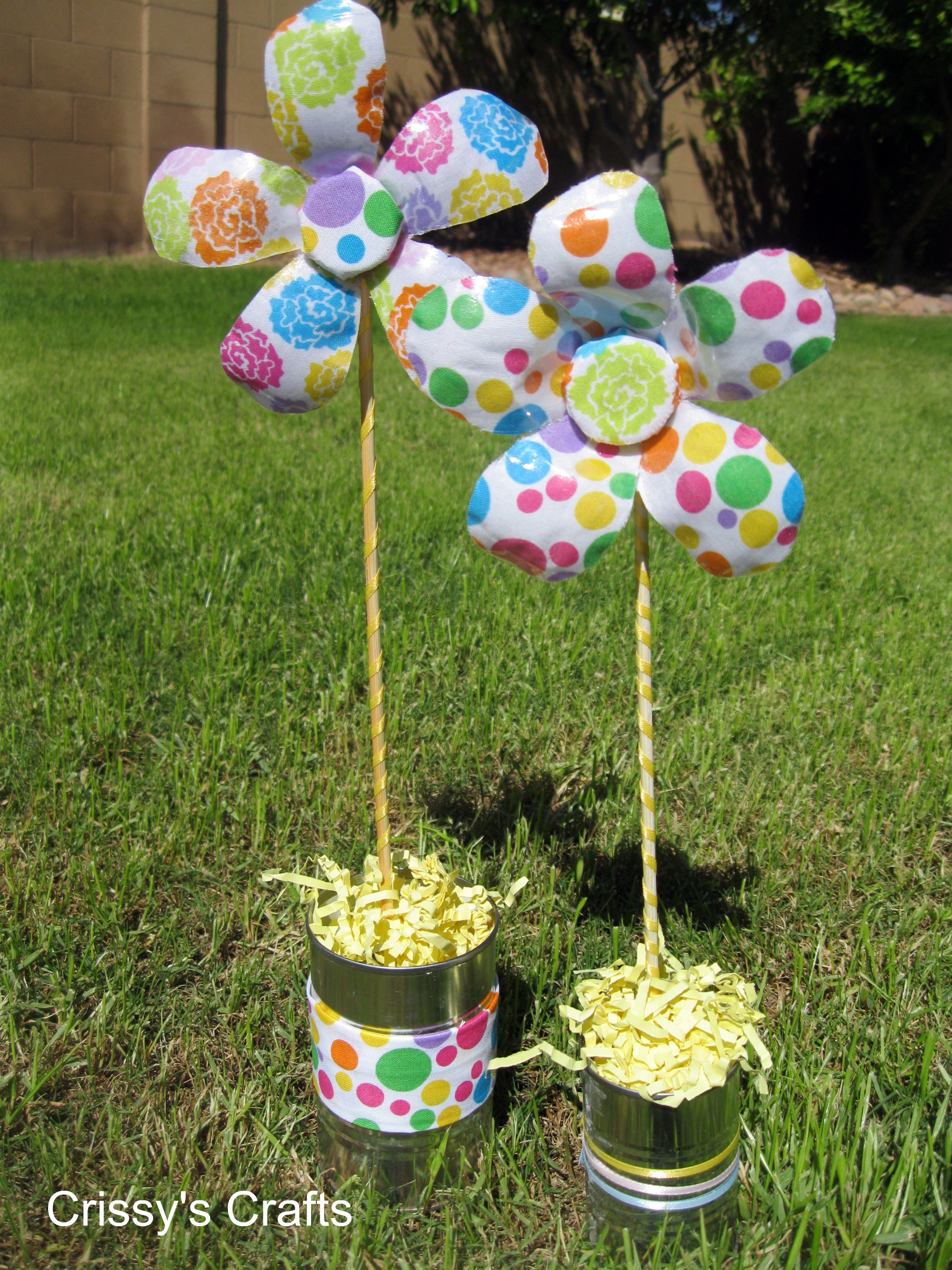 Цветы из майонезных крышек фото