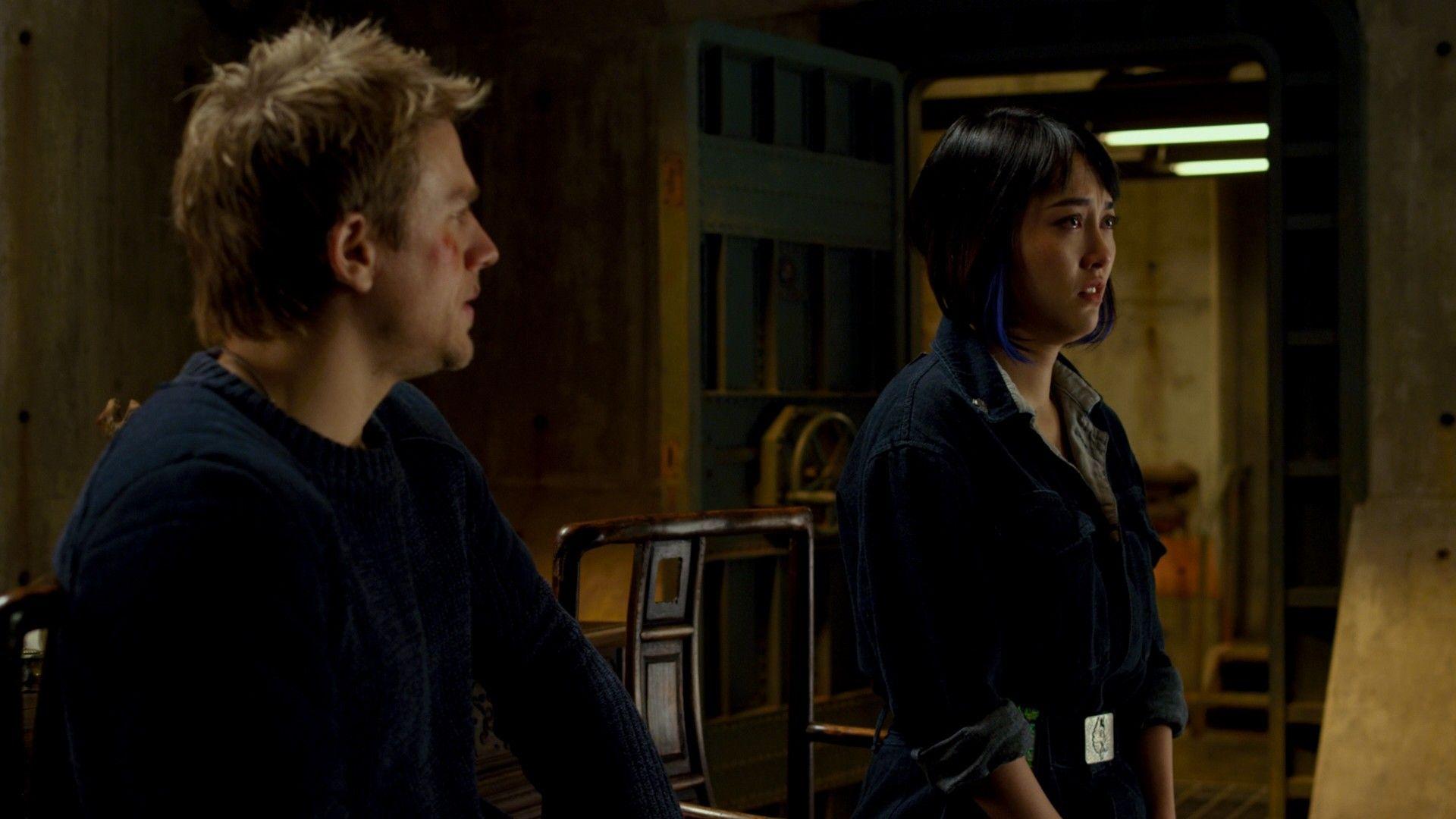mako warns chuck to stop antagonizing raleigh.