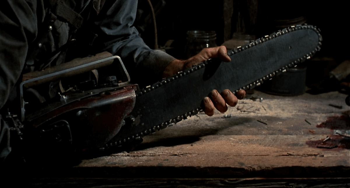 evil-dead-2-chainsaw