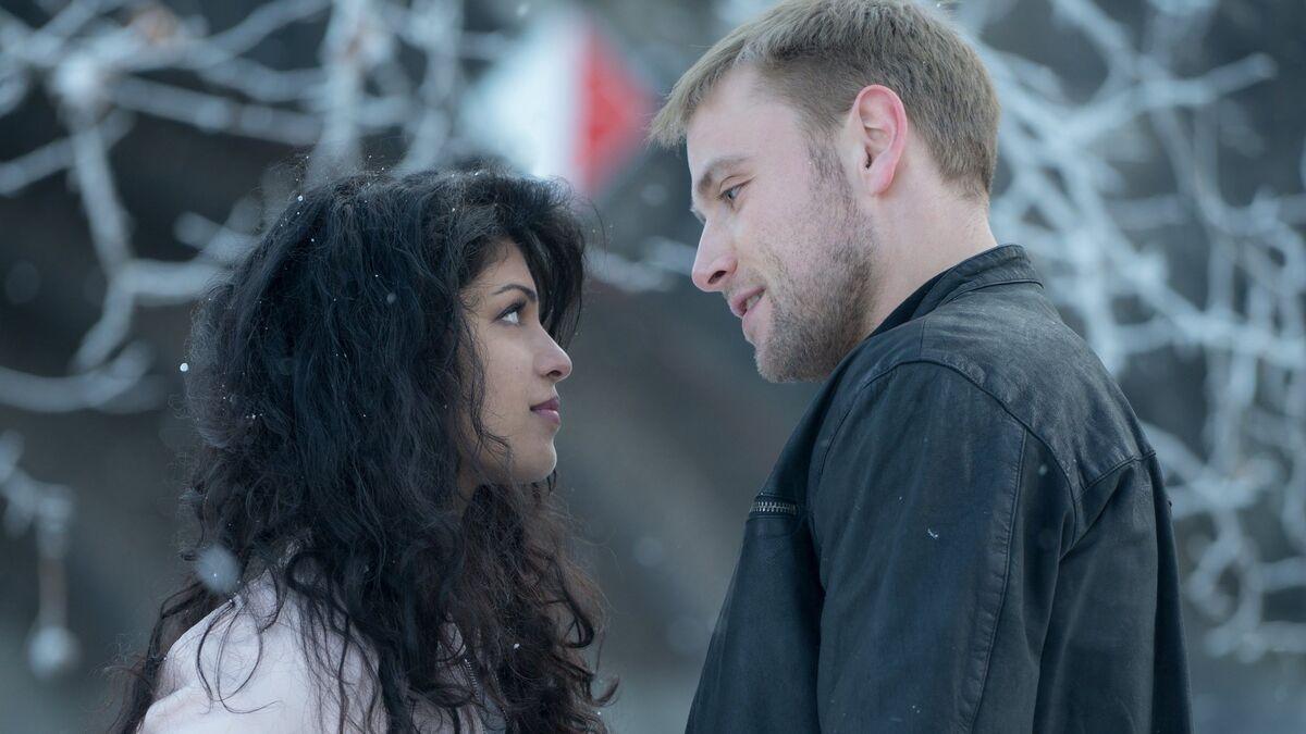Sense8-Tina-Desai-as-Kala-and-Max-Riemelt-as-Wolfgang1