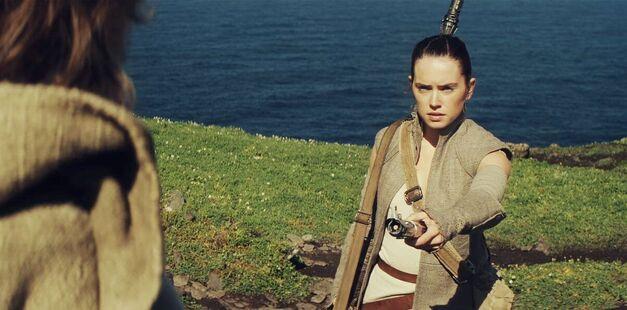 final-proof-that-rey-is-luke-skywalker-s-child-in-star-wars-episode-7-probably-rey-is-862894