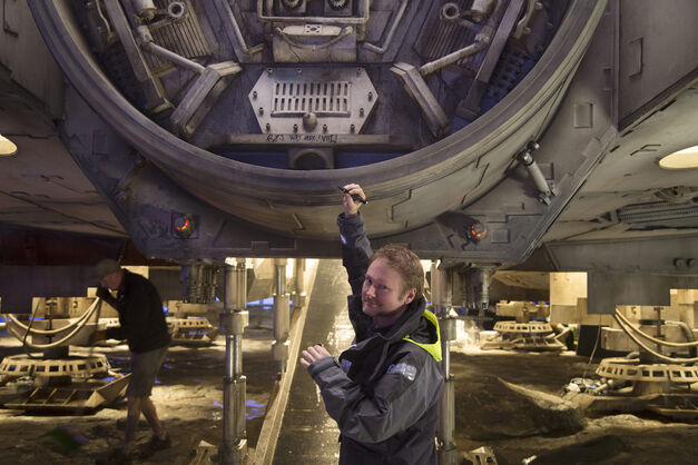 Star Wars_Millennium Falcon_Rian Johnson