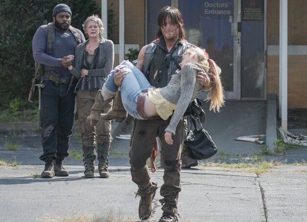 daryl carrying-beth