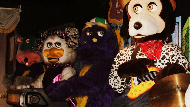 Five-Nights-Freddys-Attractions-Chucke_Cheeses