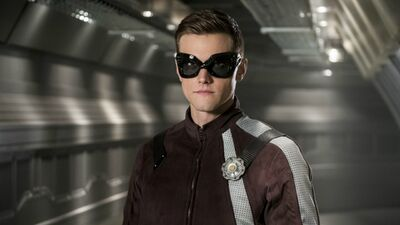 'The Flash:' Check Out Elongated Man's New Superhero Suit