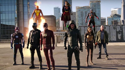 """How the Arrowverse's """"Invasion!"""" Crossover Found Its Success"""