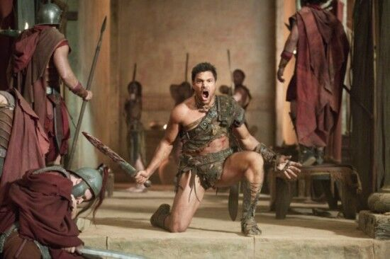 Spartacus-Vengeance-Monsters-Episode-9-550x366