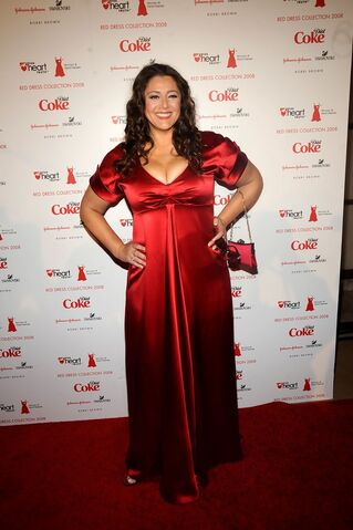 File:Heart+Truth+Red+Dress+Collection+Arrivals+YU9mlESR5LGx.jpg