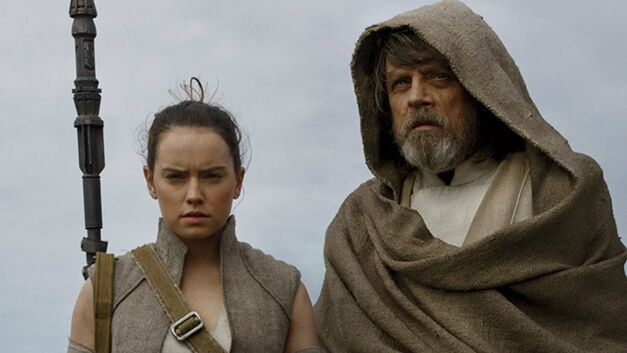 last jedi star wars luke rey mark hamill daisy ridley feature