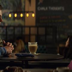 Justin meeting Hannah at a coffee shop
