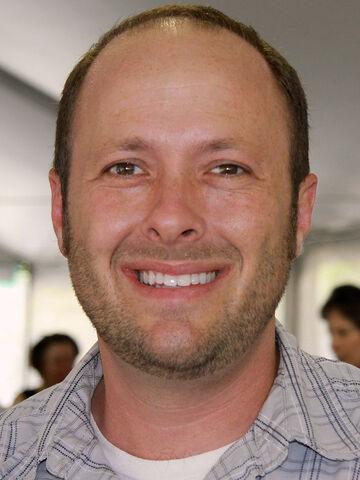 File:Jay asher 2011.jpg