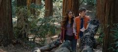S04E04-Senior-Camping-Trip-051-Jessica-Alex