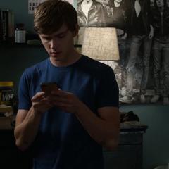 Alex receiving an email