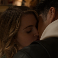 Zach kissing Chloe