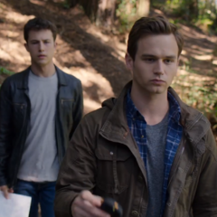 Clay and Justin arguing during the treasure hunt