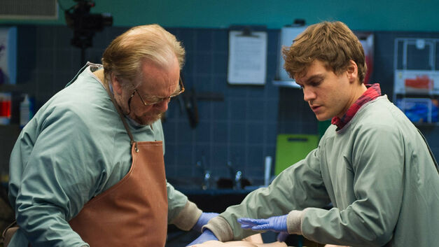 The Autopsy of Jane Doe brian cox and emile hirsch conducting an autopsy