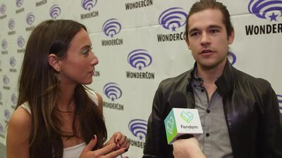 Stella Maeve and Jason Ralph Tell What Fans May Not Know About Their 'Magicians' Characters