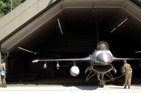 F16-Hangar