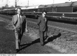 Bundesarchiv B 145 Bild-F042453-0011, Niedersachsen, Brandt im Wahlkampf