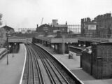 Why BR stopped calling at some eastern District Line stations