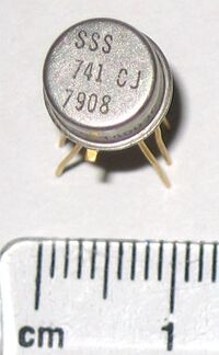 741 op-amp in TO-5 metal can package close-up