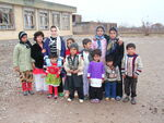 School kids in front of school (4359596138)