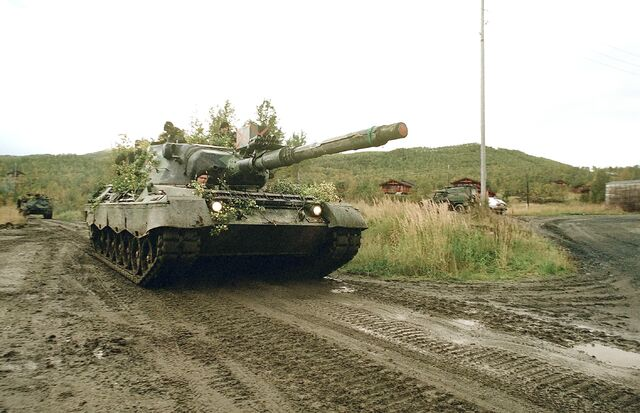 File:Norwegian leopard 1 front.jpg