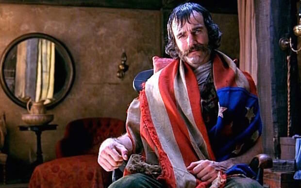 gangs-of-new-york daniel day lewis with American flag draped around his neck