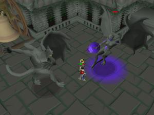 Luchando contra los guardianes grotescos