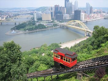 800px-Duquesne Incline from top
