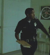 1x05- Unnamed Van Nuys Officer