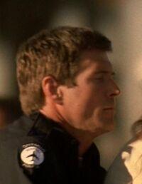 5x03 airport cop