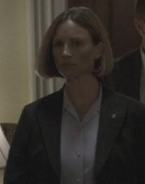 7x18-female-agent