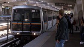 10x03 7th Street platform