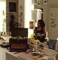 1x09 Maureen Kingsley make-up