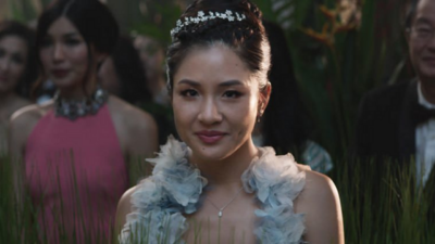 'Crazy Rich Asians' Review: A Rom-Com Filled With Style and Heart