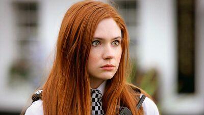 "EXCLUSIVE: Karen Gillan Thinks Jodie Whittaker Will ""Rejuvenate"" Doctor Who"