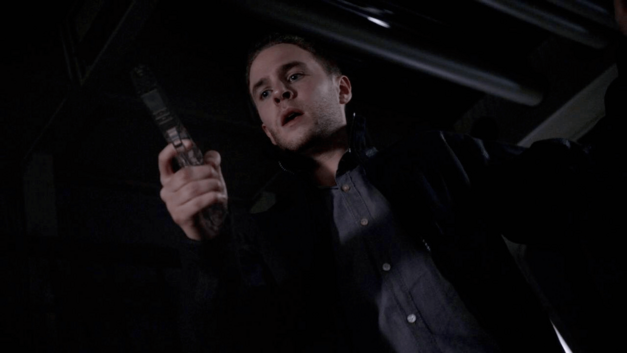 Agents-of-SHIELD-Fitz-and-the-invisible-pistol