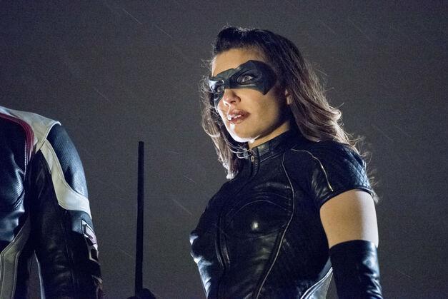 Arrow Dinah Drake