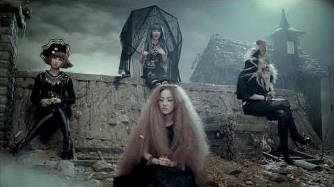 2NE1 - IT HURTS (아파) M V