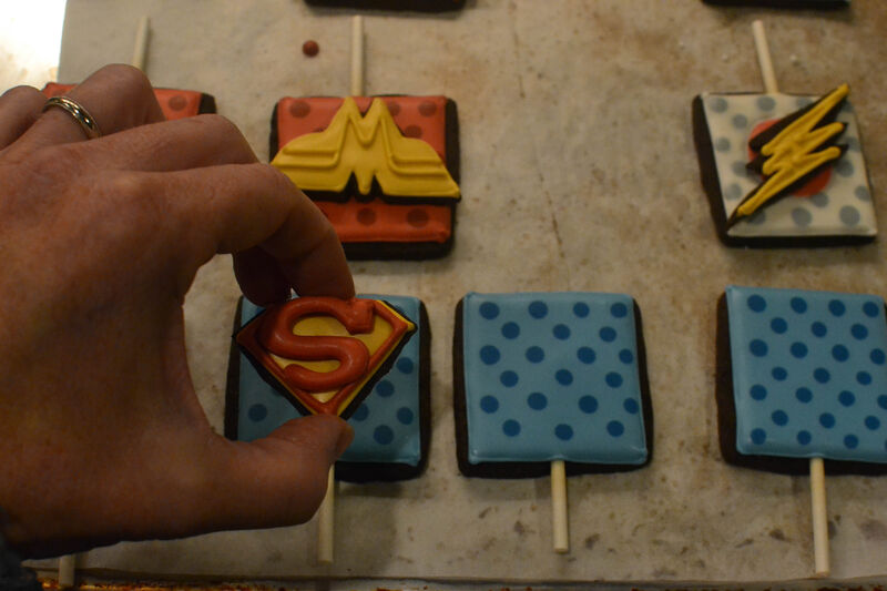 justice-league-cupcakes-cookie-logos