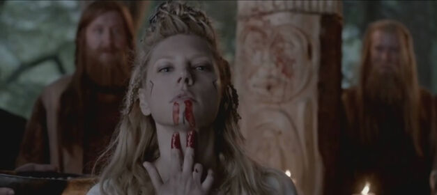 vikings-03-lagertha-sacrifice