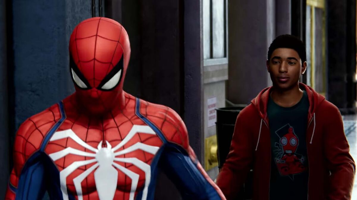 Miles Morales talks to Spider-Man on PS4