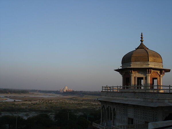 800px-TM from Red Fort