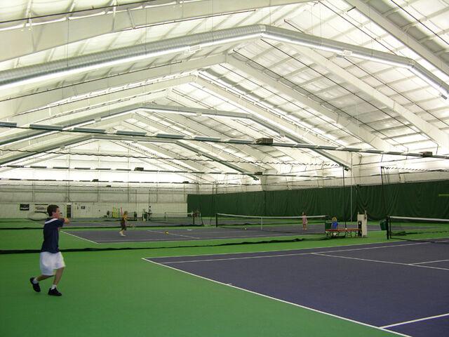 File:Tomas Tennis Court.jpg