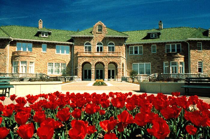 Kabra Mansion