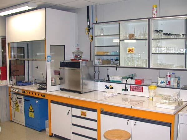 Paris Poisons Lab
