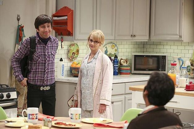 howard, bernadette and Raj standing in kitchen in Big Bang Theory season 10 episode 3