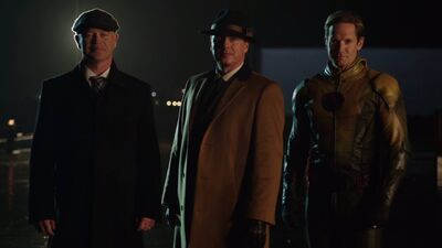 "'Legends of Tomorrow' Recap and Reaction: ""The Chicago Way"""