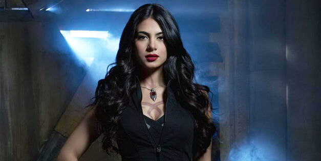 emeraude-toubia-isabelle-in-shadowhunters